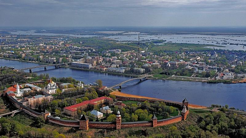Prostituées de la ville et Novgorod